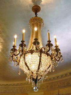 www.i-lustres.com Spécialiste du luminaire de luxe sur mesure