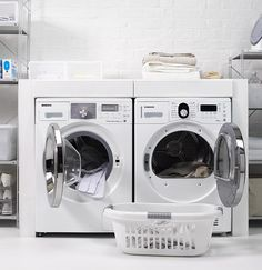 lazienki nowoczesne male z pralką i suszarką - Szukaj w Google