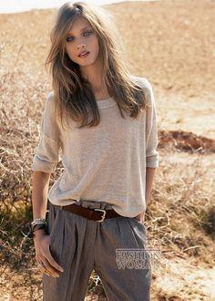 Для летнего сезона испанский бренд предлагает большой выбор модной и удобной одежды, среди которой особое внимание привлекают романтичные макси-платья, удобные брюки, свободные свитера и рубашки, а также сексуальные мини-шорты