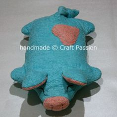 Sewing Tutorial: Piggy Pillow | Free Pattern & Tutorial at CraftPassion.com