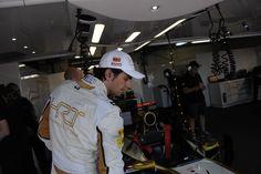 Garaje HRT F1 TEAM en el G.P. de Mónaco, el jueves 24 de mayo de 2012 *** Local Caption *** RUBIO RV RACING PRESS