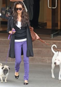 Jessica Alba with her dogs