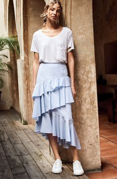 Summer Looks 2018 Ideas Picture Description Turn up the volume with this asymmetrically drapped ruffle midi skirt. Versatile enough to dress up or Skirt Midi, Ruffle Skirt, Dress Skirt, Skirt Ootd, Denim Skirt, Bodycon Dress, Muslim Fashion, Modest Fashion, Fashion Outfits