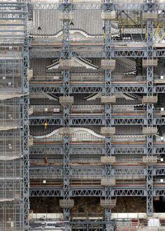 姫路城、じわりお披露目  大修理終え囲い解体 - MSN産経フォト amazing scaffolding