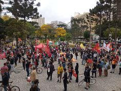 Ato contra Bolsonaro se concentra na Praça Santos Andrade, em Curitiba Impeachment, Street View, Saints