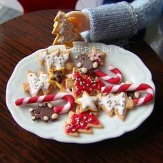 Miniature Food Christmas Cookies by PetitPlat - Stephanie Kilgast, via Flickr