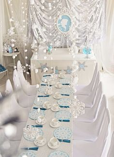 Tip para decorar una fiesta temática Frozen. #party #Frozen