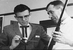 Prosecutor Duane West inspects the knife and gun used by Perry and Hickock to commit the Clutter family murders. Non Fiction Novels, Kansas, Murder Stories, Murder Most Foul, In Cold Blood, Criminology, Serial Killers, True Crime, Clutter