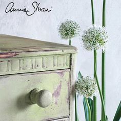 The beauty of Lem Lem, the new Chalk Paint® by Annie Sloan color available worldwide on October Visit your local stockist to pick up this glorious color - and each quart will help raise vital funds for Oxfam! Paint Furniture, Furniture Ideas, Free Printable Flash Cards, Art Drawings For Kids, Annie Sloan Chalk Paint, Paint Finishes, Work Inspiration, Unique Home Decor, Diy Painting