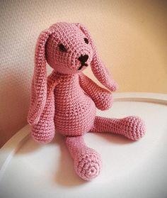Doudou jouet au crochet lapin vieux rose : Jeux, jouets par filiz-the-cat