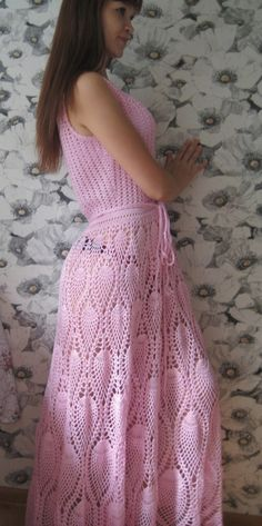 Crochet dress, pineapple increase made by just adding more double crochets to beginning of the pineapple