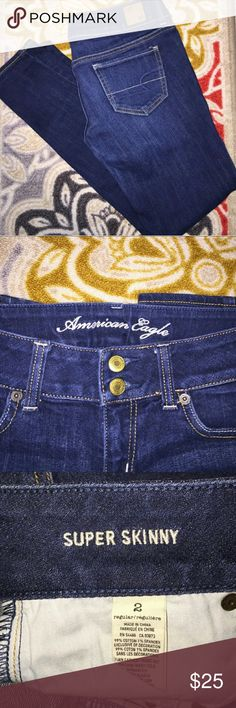 Low rise American Eagle jeans Low rise American Eagle skinnies. Perfect condition. Worn twice. Double button closure. American Eagle Outfitters Jeans Skinny