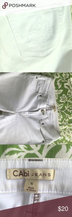CAbi white skinny jeans size 6 fast Shipper too CAbi white skinny jeans size 6 fast Shipper from FLA🌺 loved these but just don't fit anymore CAbi Jeans Skinny