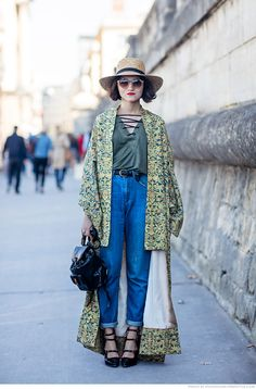 Tiffany Tell me about your outfit, what you are wearing? – I'm wearing a vintage kimono, top and hat from Zara, vintage jeans, shoes from Aperlai and a vintage backpack from Gucci.