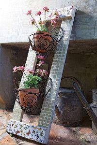 Creative Company | Just Mosaics: Rustic pot-plant holder thing