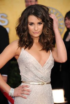 I really like Lea's hair style in this pic