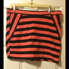 Navy and coral stripped skirt Navy and coral stripped skirt. Zipper in the back. Size small but can fit medium. Great condition GAP Skirts Mini