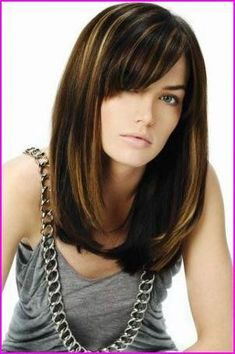 Medium Straight Hairstyles with Side Bangs, Side bangs are super popular right now. Wearing your bangs swept to the side gives a soft, relaxed look to your hairstyle and flatters your fa. Bob Hairstyles 2018, Bob Hairstyles With Bangs, Layered Bob Hairstyles, Long Bob Haircuts, Box Braids Hairstyles, Straight Hairstyles, Celebrity Hairstyles, Elegant Hairstyles, Popular Hairstyles
