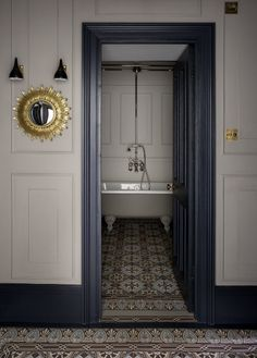 White Bathroom With Chic Floor Tiles And Blue-grey Woodwork on Home Bathroom Ideas 6139 Interior Trim, Modern Interior Design, Home Design, Dark Interior Doors, Painted Doors, Wood Doors, Entry Doors, Grey Woodwork, Wood Trim