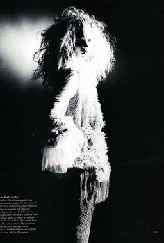 (Bazaar US April 1998/Kate Moss/Mario Sorrenti)