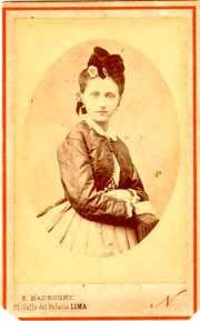 [Retrato de María Frivott?, Lima, Siglo XIX] [fotografía]/ Eugenio Maunoury