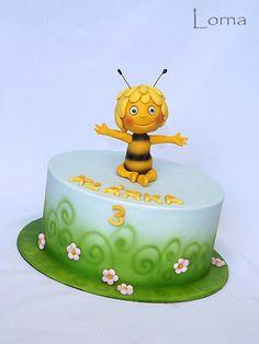 Maya The Bee Cake.. by Lorna