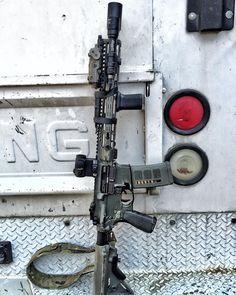 Bag full of guns Airsoft Guns, Weapons Guns, Guns And Ammo, Ar Rifle, Battle Rifle, Cool Guns, Assault Rifle, Military Weapons, Firearms