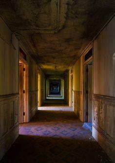 Northampton State Lunatic Asylum (by Justin Earsing)