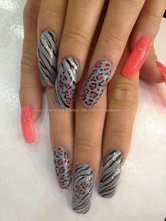I luv long nails