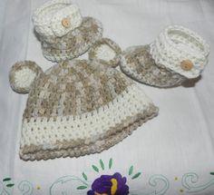 Cappellino e scarpette Neonato