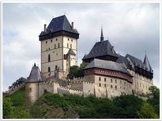 Castillo gótico en República Checa  vía 101lugaresincreibles.com