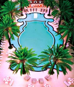 Gasp out loud worthy swimming pool, the Raleigh Hotel Miami. Pink and black.