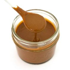This low-calorie, Skinny Peanut Sauce is totally delicious! It's also vegan, gluten-free, sugar-free, and low-carb. Only 18 calories per serving! Made with 6 simple ingredients and ready in 2 minutes. Keto Vegan, Vegan Keto Recipes, Vegan Gluten Free, Vegan Meals, Vegan Egg, Diabetic Recipes, Free Recipes, Healthy Recipes, Low Calorie Desserts