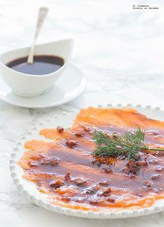 El pescado marinado es una opción deliciosa cuando queremos presentar una receta algo más elaborada y con un toque original. Hoy os presento un s...