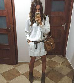Robe pull blanc (IG @olivka_blog)