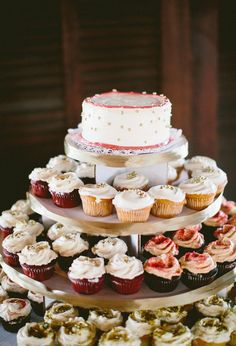 cupcakes with top cake tier for cutting // photo by Redfield Photography // desserts by Sugar Sweet Sunshine Bakery