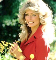 And who better to start with than the incomparable Farrah Fawcett and her famous flip? Only one season on Charlie's Angels as Jill Munroe was enough to cause a hair revolution. Kate Jackson, Farrah Fawcett, Jaclyn Smith, Beautiful People, Beautiful Women, Blonde Waves, Christopher Eccleston, Her Hair, Divas