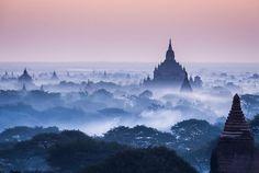 smithsonianmag:今日の写真:Zayヤー林(ヤンゴン、ミャンマー)によるバガン写真で霧の朝。 バガン、ミャンマー
