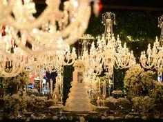 Bolo De Casamento Pintado À Mão E Flores Continuam Em Alta. Veja O Que Combina Mais Com O Casal E Escolha O Seu!