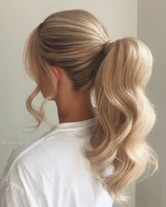 33 Stunning Ponytails Hairstyle Design To Try On Any Occasion Ponytail Hairstyles Design hairstyle Occasion Ponytails Stunning Messy Ponytail Hairstyles, Ponytail Styles, Curly Hair Styles, Blonde Ponytail, Long Hair Bridal Hairstyles, Formal Ponytail, Fuller Ponytail, Ponytail Easy, Bridal Ponytail