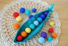 Montessori baby toy for motor skills training / tactile sensory learning game / toys colors of rainbow peas Color Montessori, Montessori Baby Toys, Montessori Bedroom, Montessori Education, Baby Education, Crochet Game, Baby Sensory Toys, Newborn Toys, Rainbow Decorations