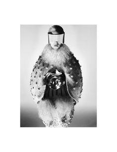 Suvi Koponen for Alexander McQueen Fall/Winter 2012 campaign David Sims David Sims, Space Fashion, Fashion Art, Fashion Models, Fashion Design, Fashion Images, Fashion Pictures, Dark Fashion, White Fashion