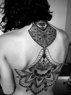 Gramaloka Gonzalles #blackwork #dotwork #mandala #lotusflower #tattooedgirls #gramaloka #gramalokatattoo #mandalagrass