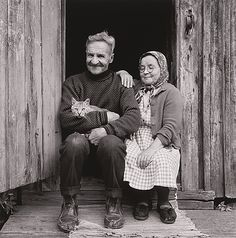 (photo by Ismo Hölttö) Finland Old Photos, Vintage Photos, Elderly Couples, Growing Old Together, Still In Love, Cat Accessories, Cat People, Cat Art, Finland