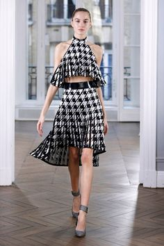 See all the looks from the show. Women's Runway Fashion, Couture Fashion, Fashion News, Fashion Show, Fashion Looks, Womens Fashion, Plaid Fashion, White Fashion, Skirt Fashion