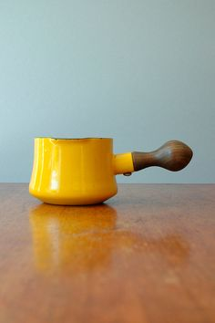 Small Dansk Kobenstyle Pot - Yellow I have owned a red one for years! It is an awesome little pot! Gadgets, Plastic Dinnerware, Kitchenware, Tableware, Shades Of Yellow, Mellow Yellow, My Favorite Color, Vintage Kitchen, Serveware