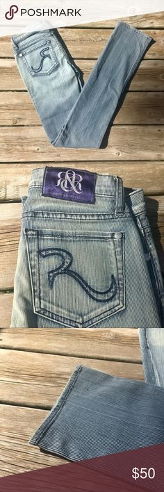 """NWT Rock & Republic Lowrise Straight Leg Jeans New with tags, never worn Stella in Isolator Rock & Republic jeans. Low rise. Straight leg. Perfect addition to your fall wardrobe!  Waist: 23"""" Length: 32"""" Material is 98% cotton, 2% spandex. Rock & Republic Jeans Straight Leg"""