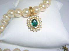 Vintage 1970's 'Roman' Bride necklace.  Classic by AuntBettysCurio