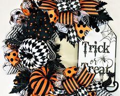Halloween Date, Halloween Film, Halloween Deco Mesh, Halloween Cookies, Halloween Porch, Halloween 2020, Halloween Wreaths, Whimsical Halloween, Halloween Costumes