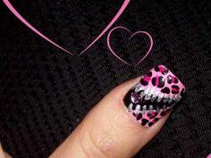 Unzip my heart - Valentine's Day nail design